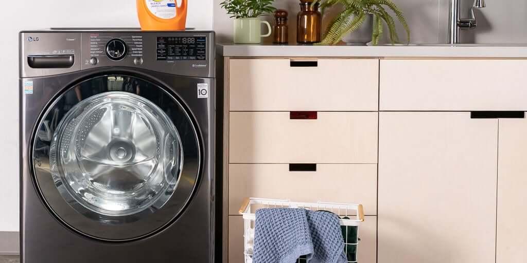 تفاوت خشکشویی و آبشویی در چیست؟ خشکشویی آنلاین تکواش